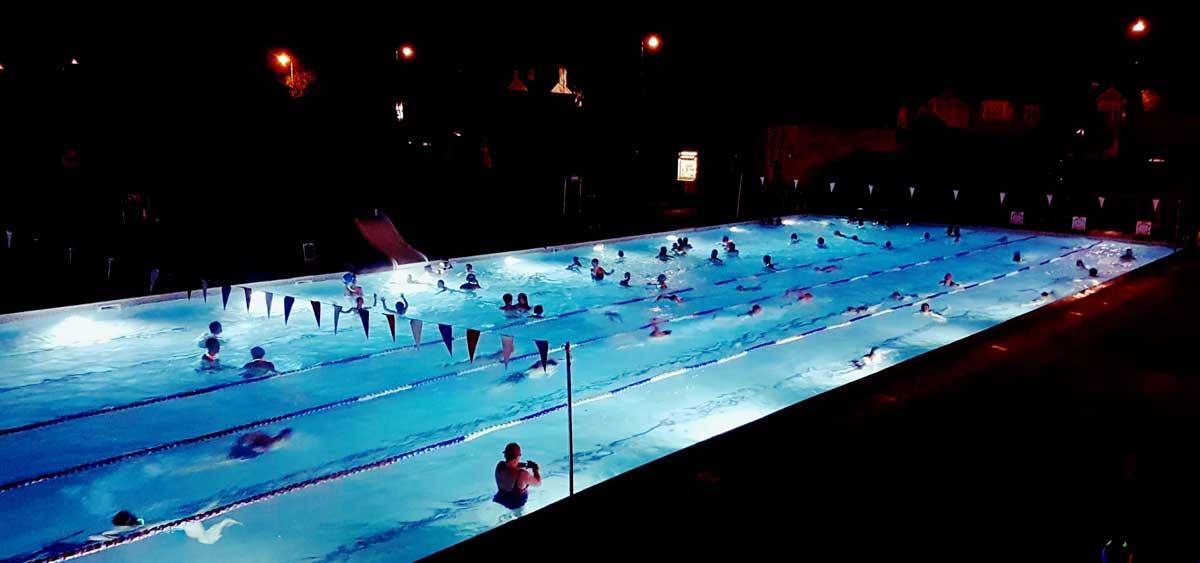 Hampton Pool – 365 days of swimming in tropical blue heated